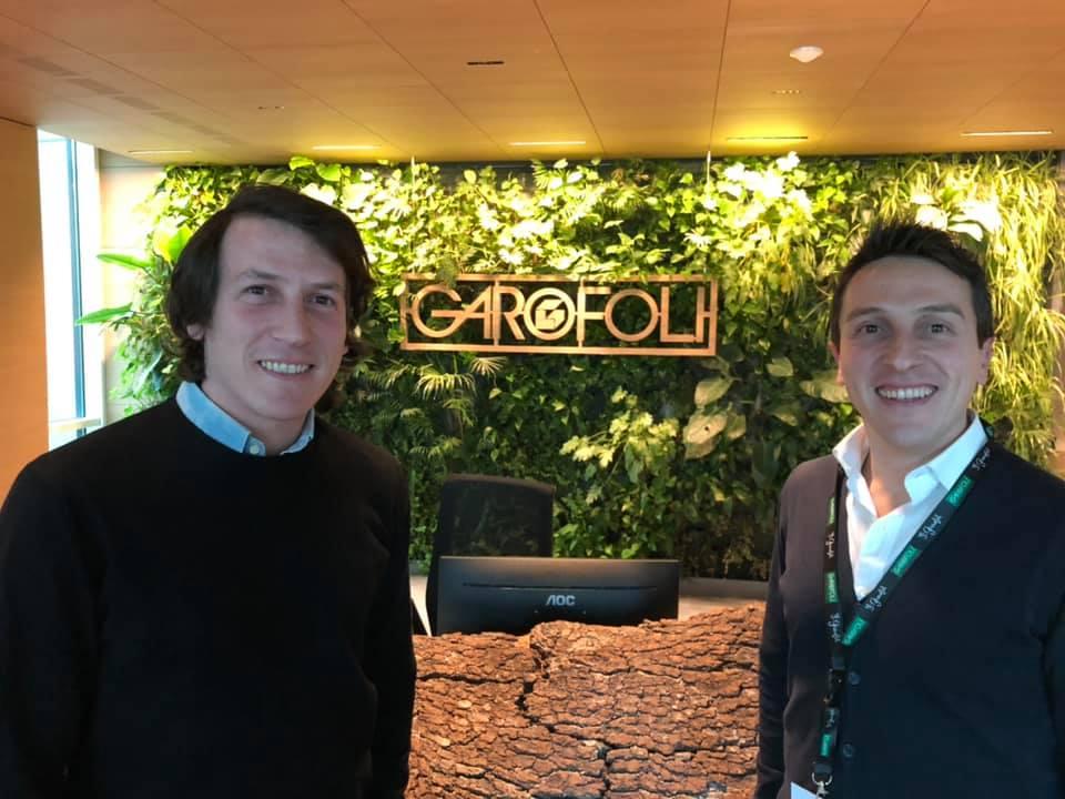 Enrico e Giorgio Zappa davanti al desk Garofoli