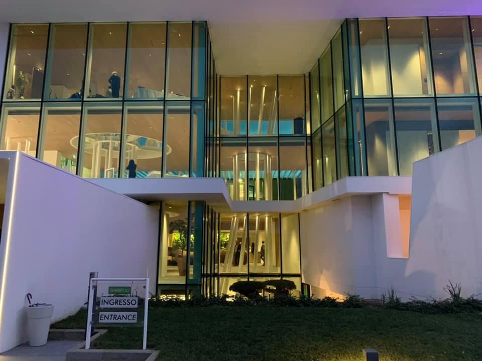 vetrate dell'ingresso della sede garofoli
